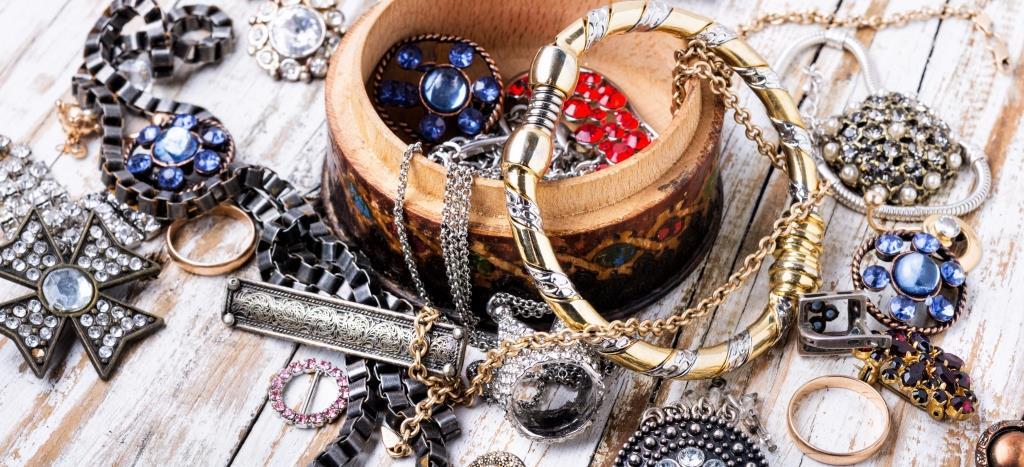 Ръчно изработени бижута - изработка, материали и качество