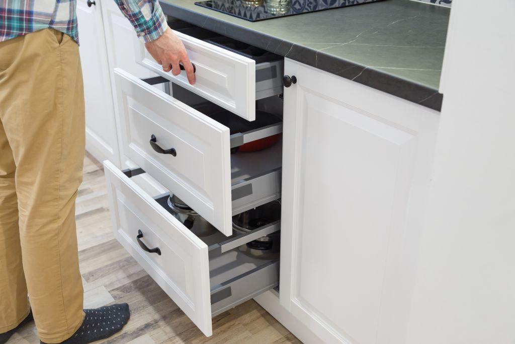 Красиви идеи за освежаване на кухненските шкафове