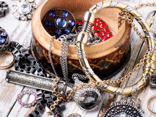 Ръчно изработени бижута - изработка, материали и качество -Мода